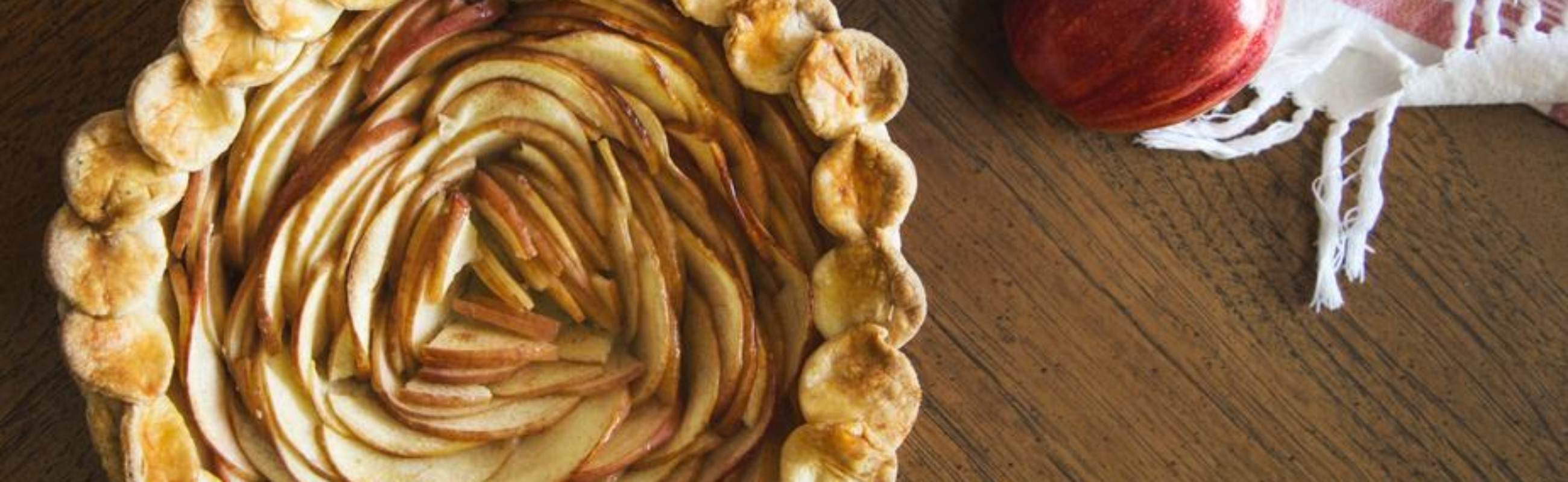 baked-apple-pie_925x