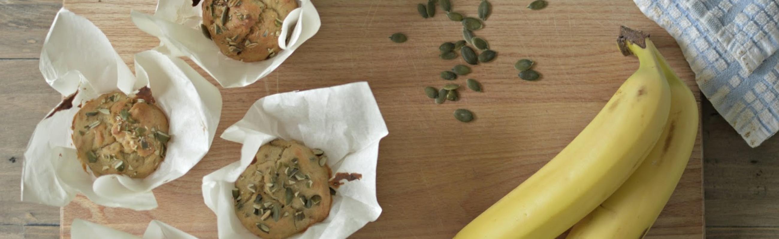 banana & date muffin